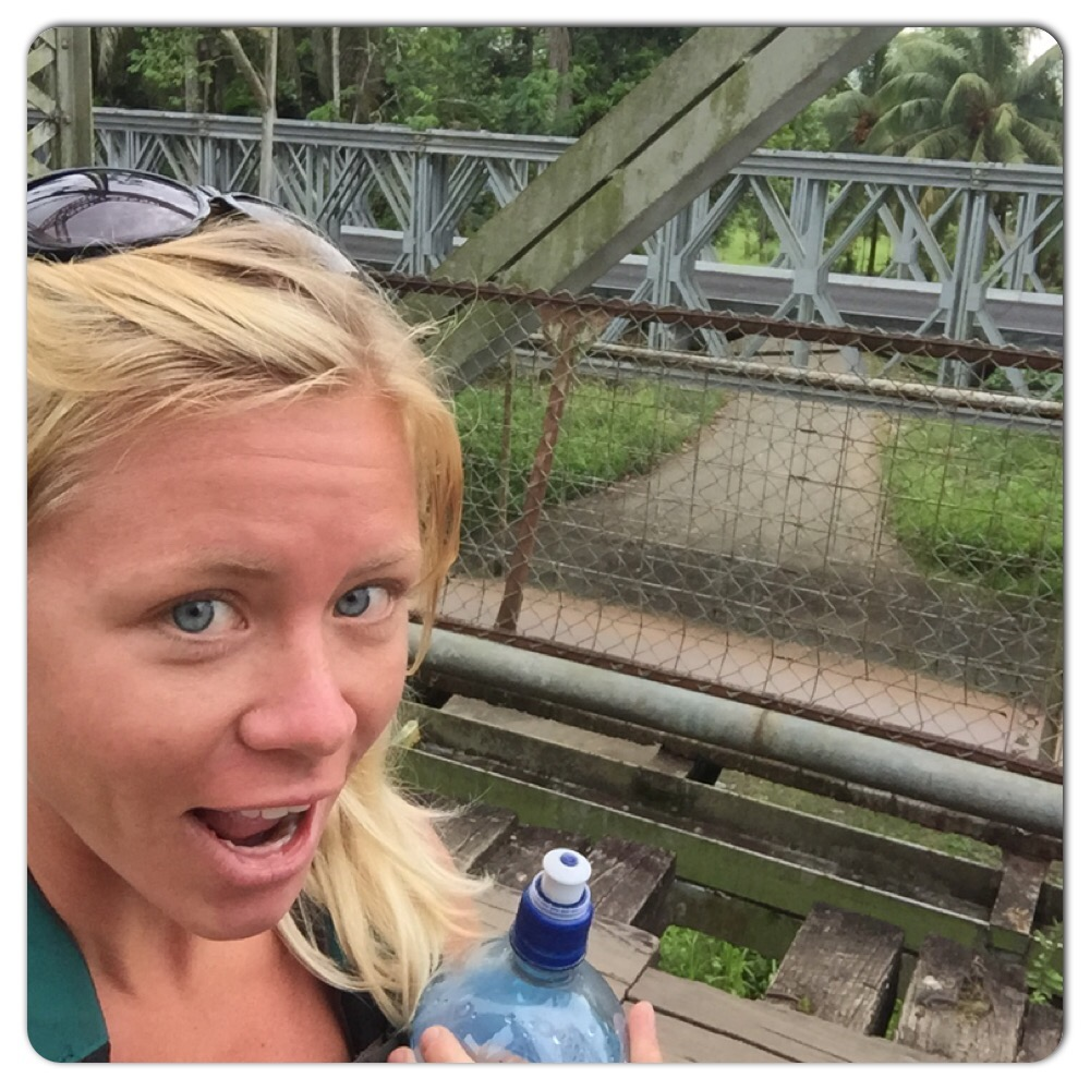 no makeup Sixaola bridge selfie
